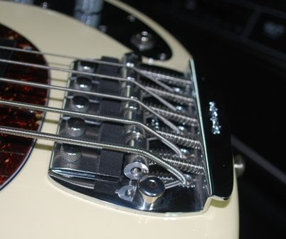 rex and the bass ernie ball musicman classic stingray 5 bass review. Black Bedroom Furniture Sets. Home Design Ideas
