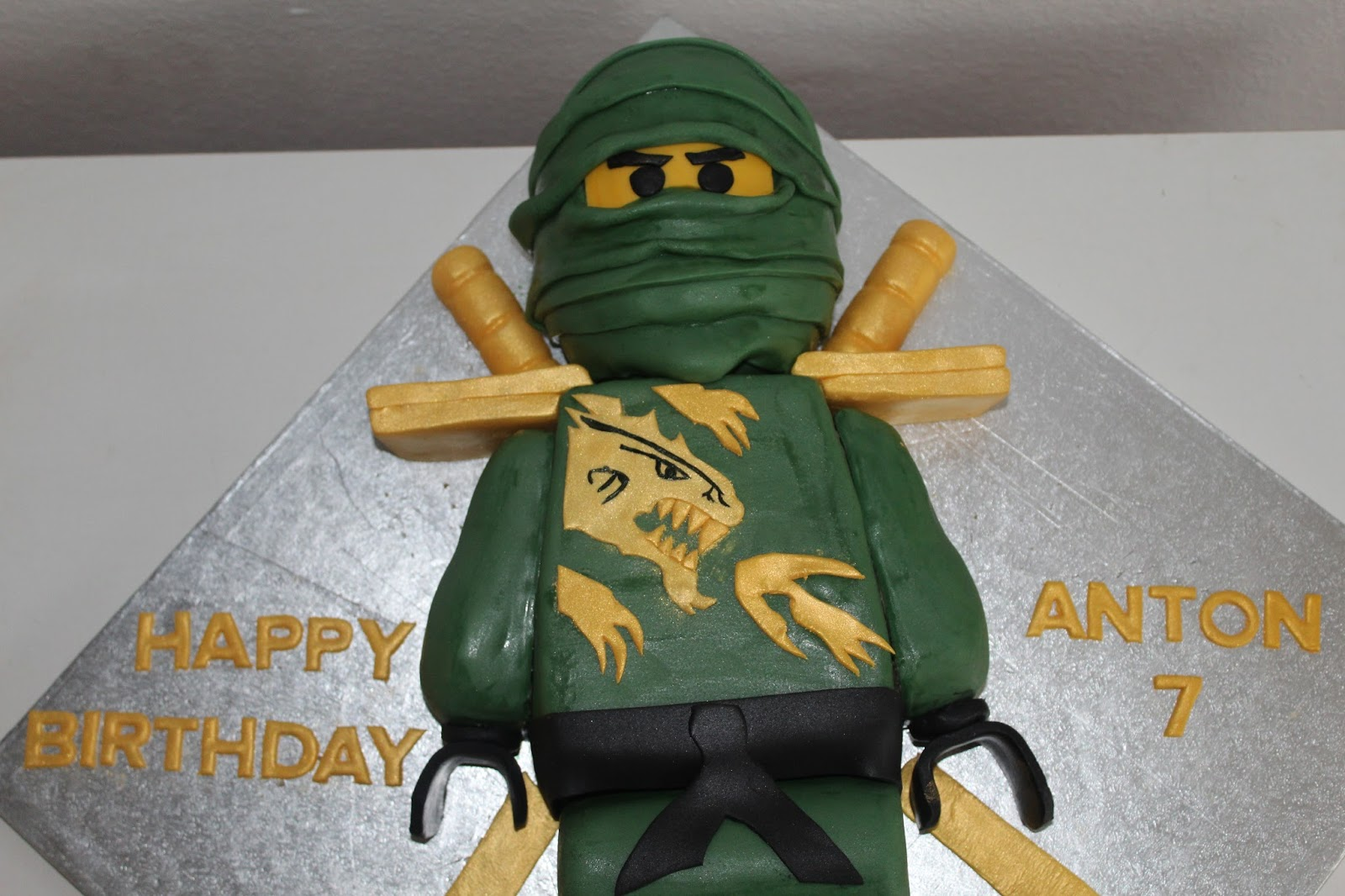 Theresas Backstube Ninjago Torte Lloyd