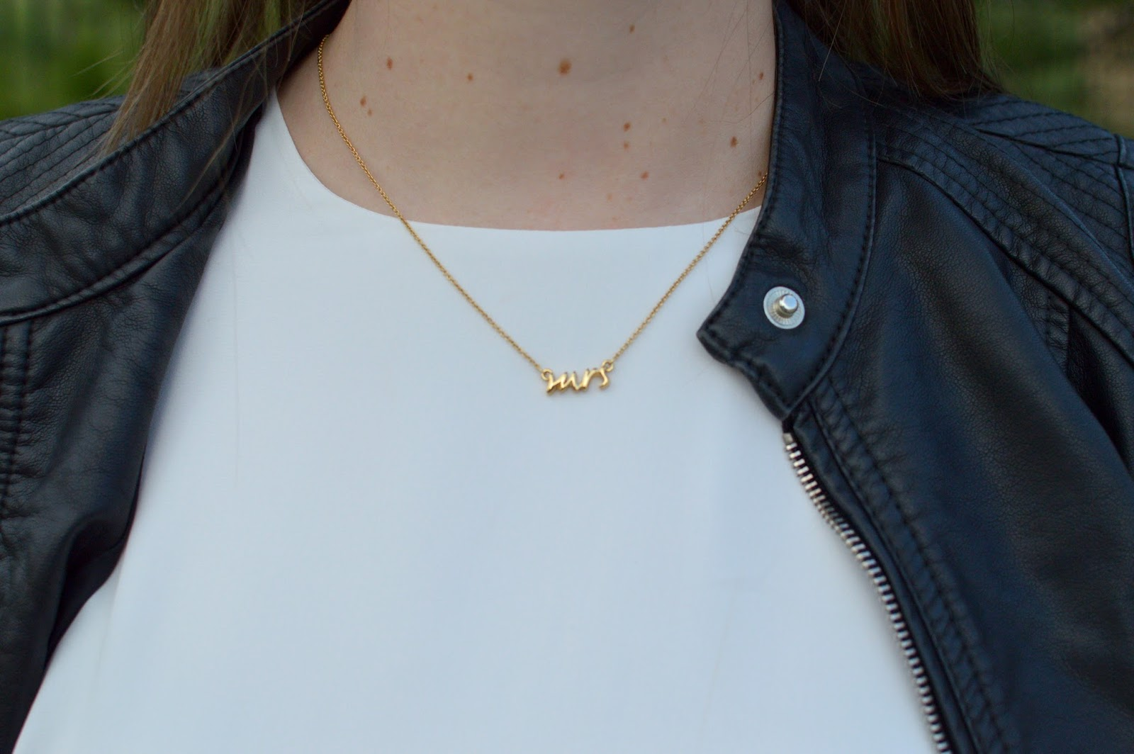good gifts for the bride to be: kate spade mrs necklace