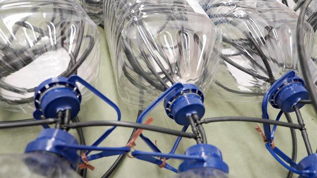 plasticul emana o cantitate mai mare de chimicale atunci cand este refolosit