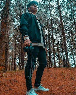 poses en el bosque hombre