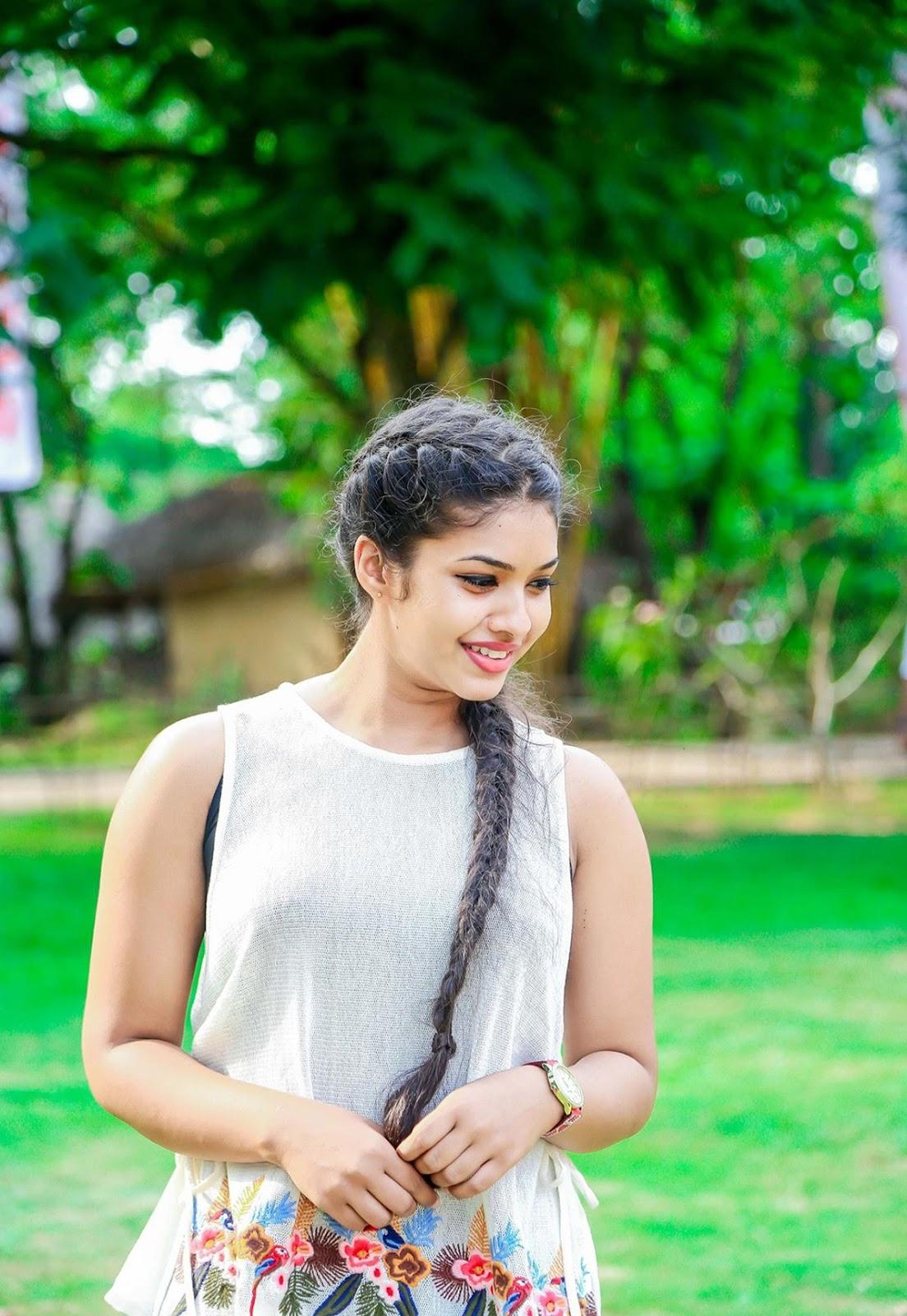 සහේලි   Emasha Hans   Deweni Inima   - Sri Lanka Models and actress