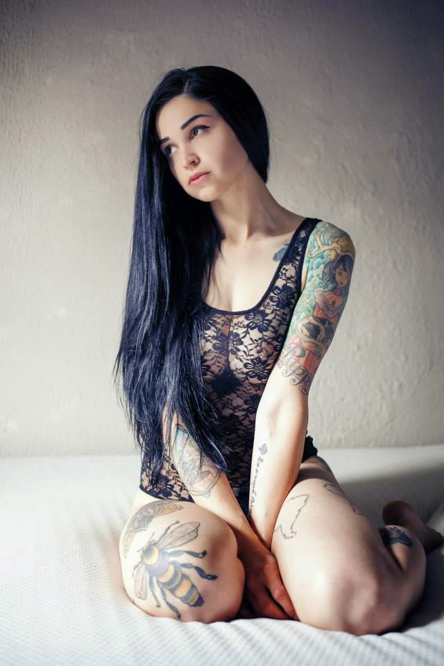 Bully Suicide Sexy Tattooed Girls