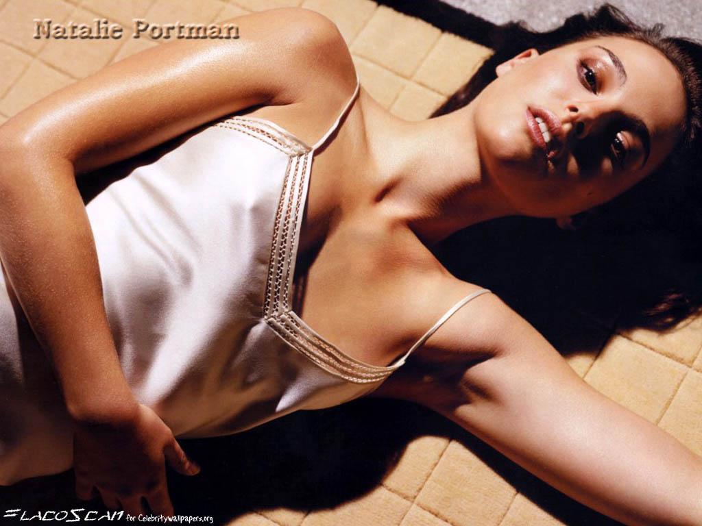 Natalie Portman Sexy Photo 21