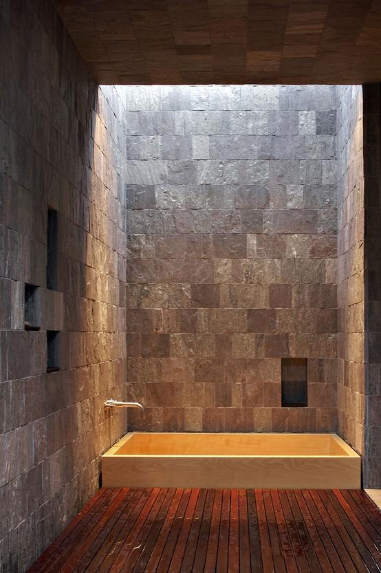 Desain kamar mandi dengan batu alam  Desain Kamar Mandi