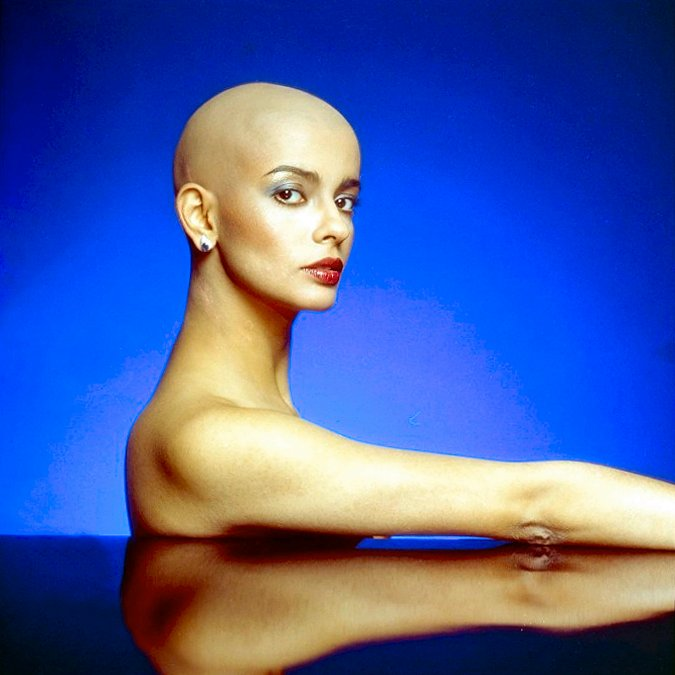 The Bald and the Beautiful. - BlogwatiG