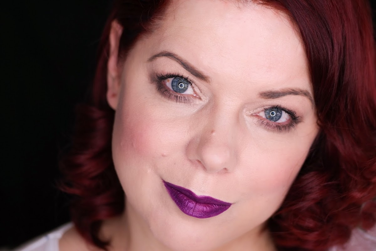 Look lila Lippenstift