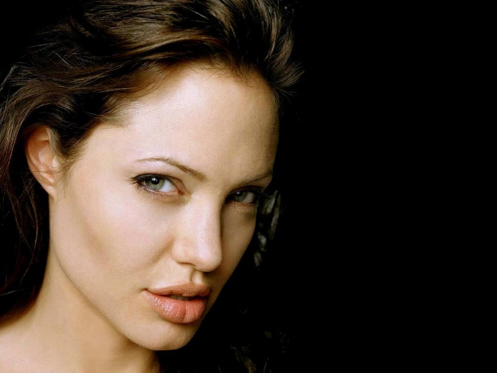 Angelina Jolie: Angelina Jolie Wallpapers