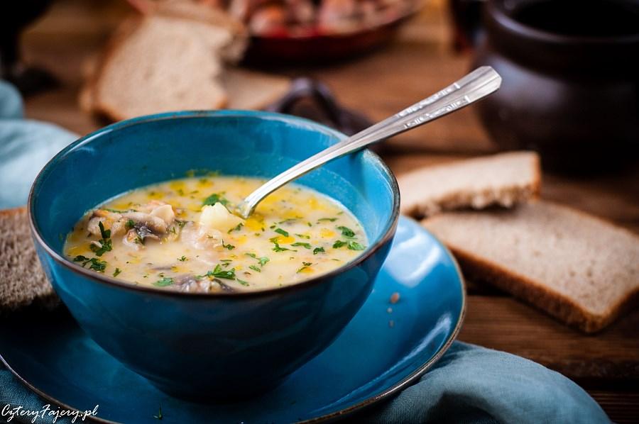 Zupa-pieczarkowa-z-serkiem-topionym