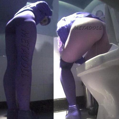 Hidden camera in the toilet fast food restaurant - Girls peeing (Fast Food Toilet 08)