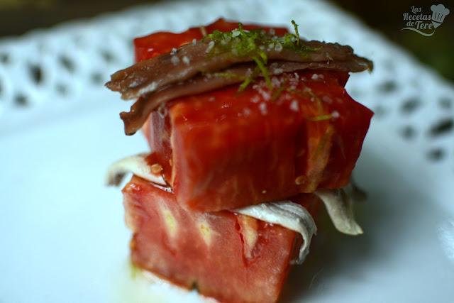 Ensalada de tomate rosa de Barbastro anchoas y boquerones tererecetas 03