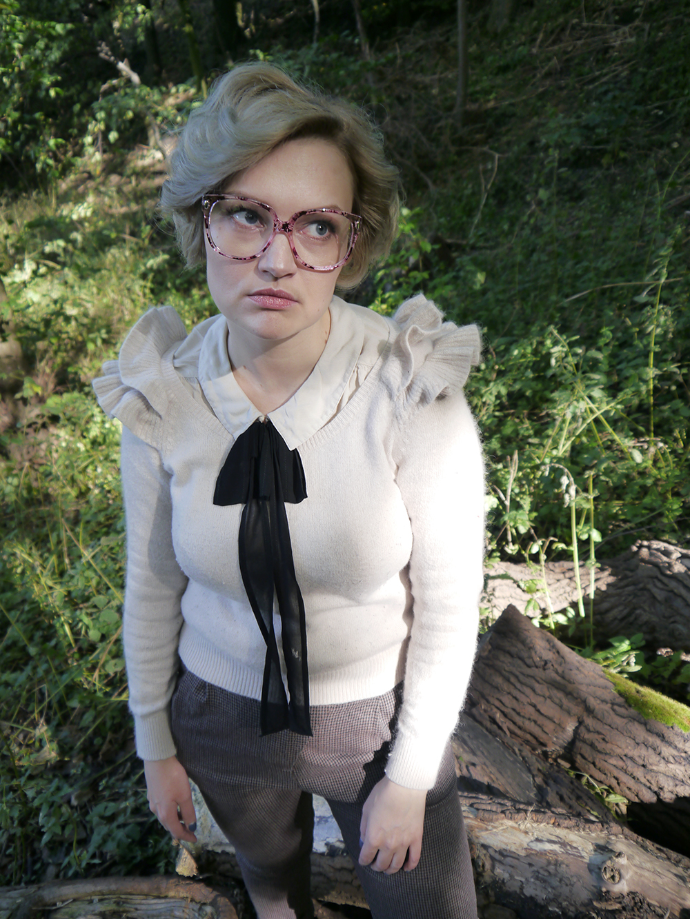 Barb Stranger Things costume, grandma vintage glasses, Barb glasses, Stranger Things fashion style, blogger favourite halloween outfit, easy 80s style, Halloween 2016 costumes, unlikely style icon, barb stranger things style, Stranger Things Barb hairstyle