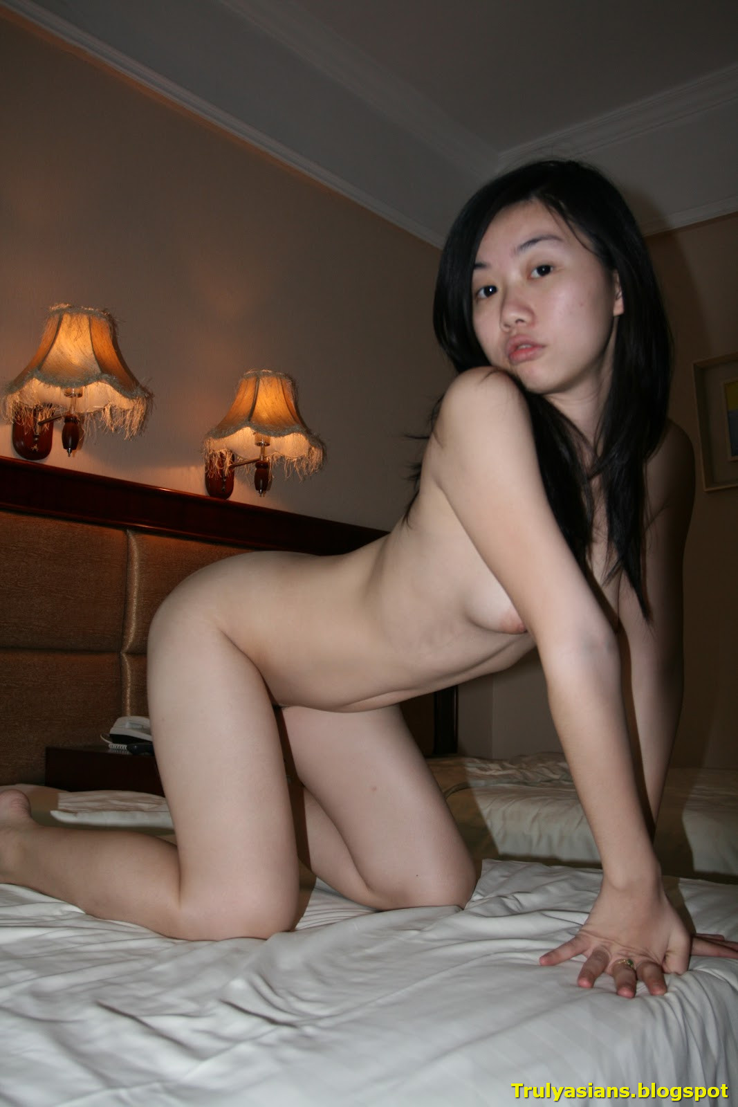 Hot chinese girl pass tube — photo 11