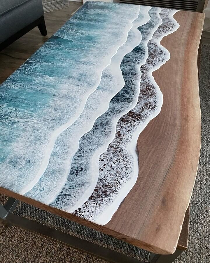 01-Tree-section-Rivka-Wilkins-Realistic-Ocean-Resin-Paintings-www-designstack-co