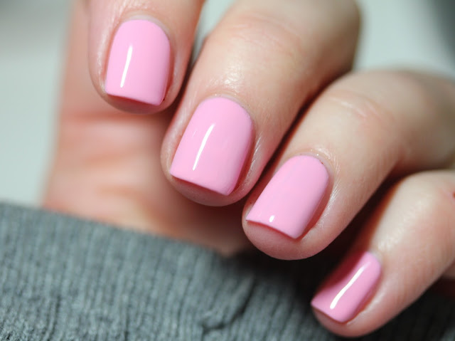 essie treat love color power punch pink