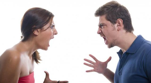 Memiliki pasangan yang suka mengekang memanglah menyebalkan 7 Cara Praktis Merubah Sifat Pasangan yang Suka Mengekang dan Pencemburu