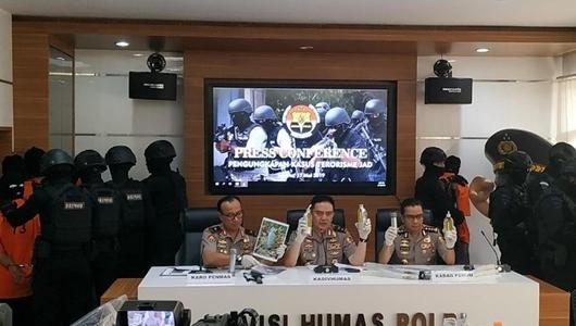 Densus 88 Tangkap 29 Terduga Teroris Berencana Ledakkan Bom 22 Mei