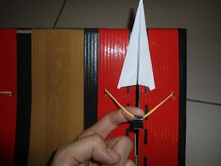 pista de avião de papel feita de papelão