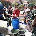 Kodim 0710/Pekalongan Bekerjasama dengan BPBD Kabupaten Pekalongan Distribusikan Air Bersih Ke Warga