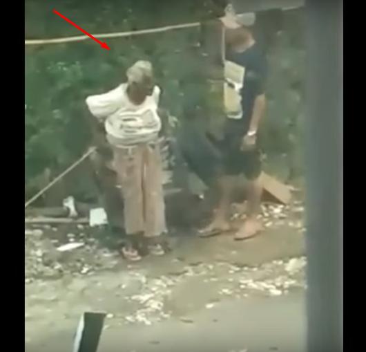 Tanpa Belas Kasihan, Nenek Ini Dipaksa Cucunya Mengemis Lalu Diperas