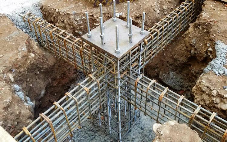 Fundaciones y Muros (Arquitectura)