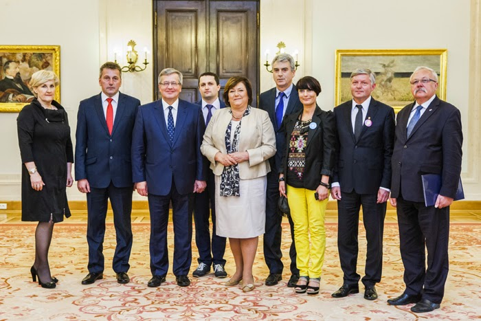 Prezydent Komorowski nagrodził mielec karta 3 plus rodziny