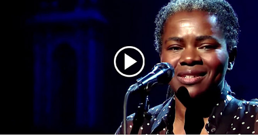 "Legendary Tracy Chapman Performs Iconic Live Version Of ""Stand By Me"" And It Will Cover You In Chills !!!"