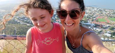 Tania su dukra Kenzi išvykoje