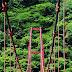 鱒淵ダムに架かる赤い橋