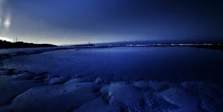 Faro de Trafalgar. Playa con faro al.fondo.