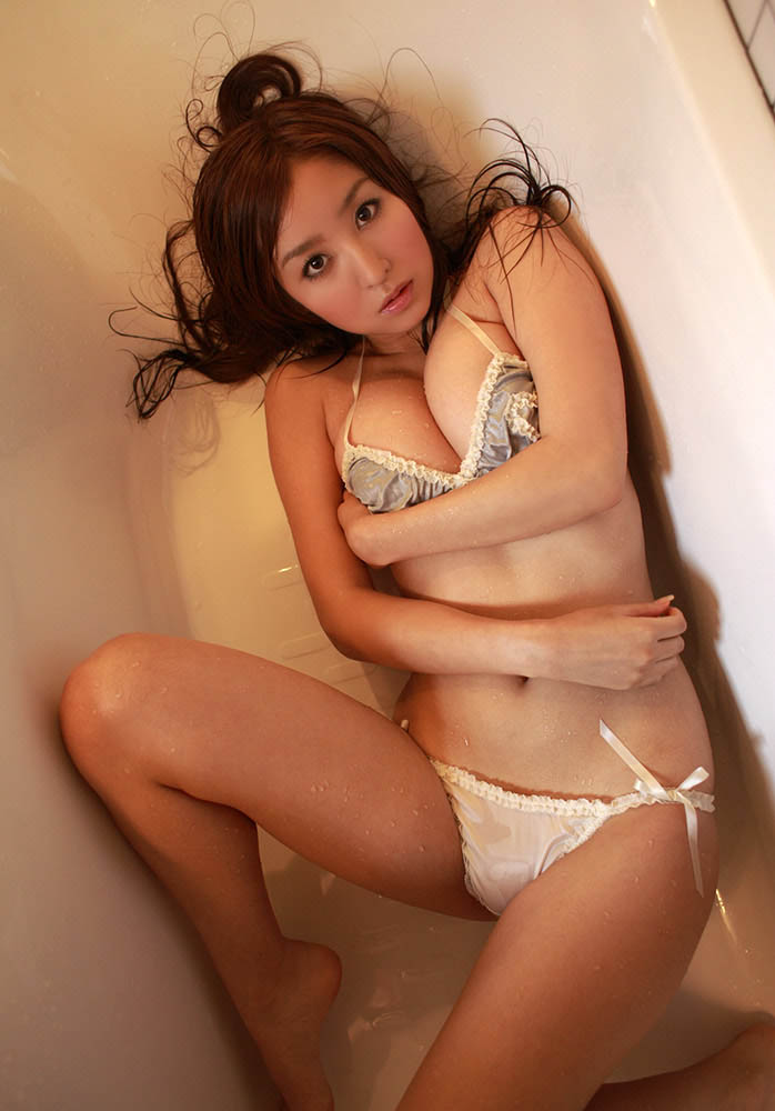 aya kiguchi hot bra and panty photos 03