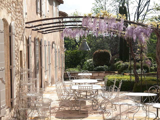 A beautiful photo of a Provence terrace
