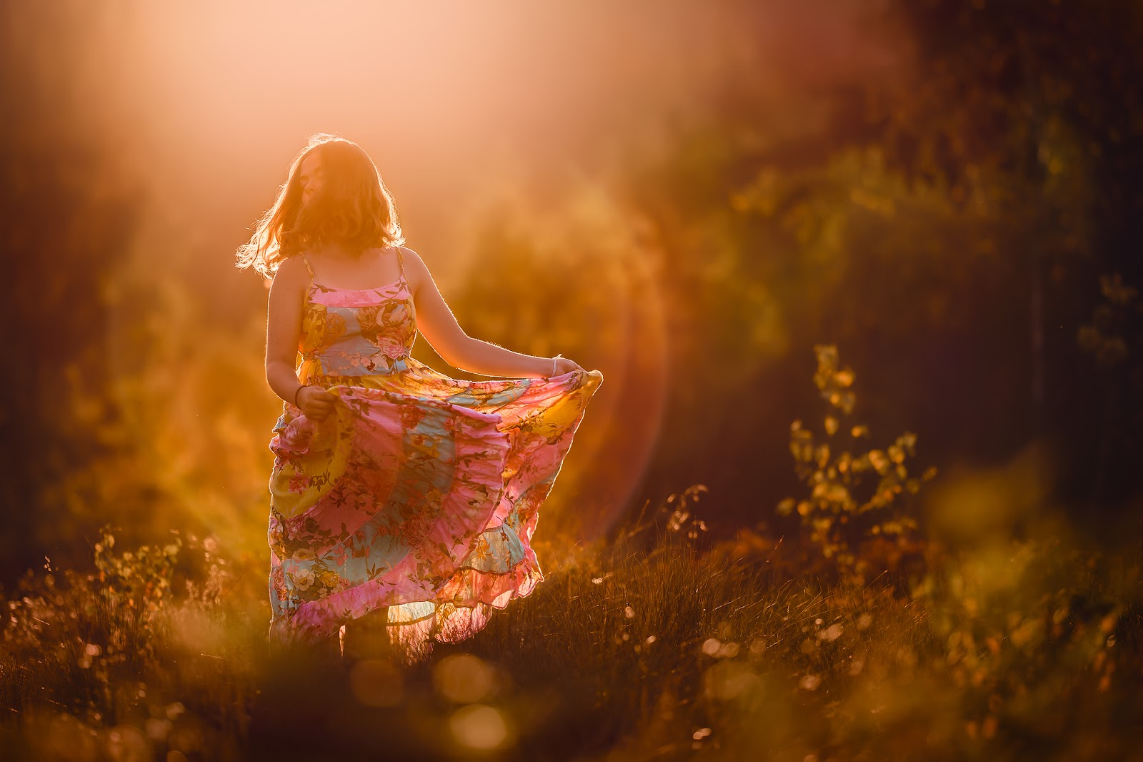 Canon 5D mark III sigma fine art portrait of a young woman in a vnitage dress dancing in the golden hour with her soul on fire by Willie Kers.jpg