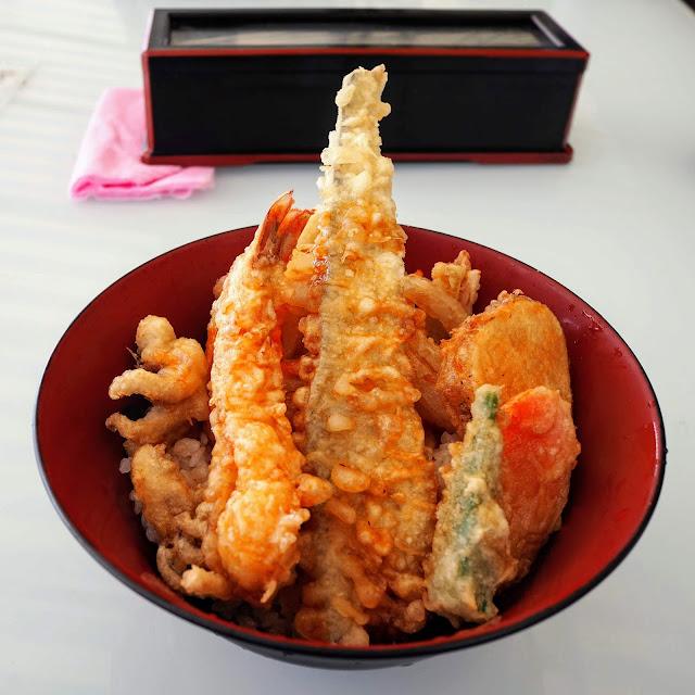 横浜 柴漁港 小柴のどんぶりや 天丼