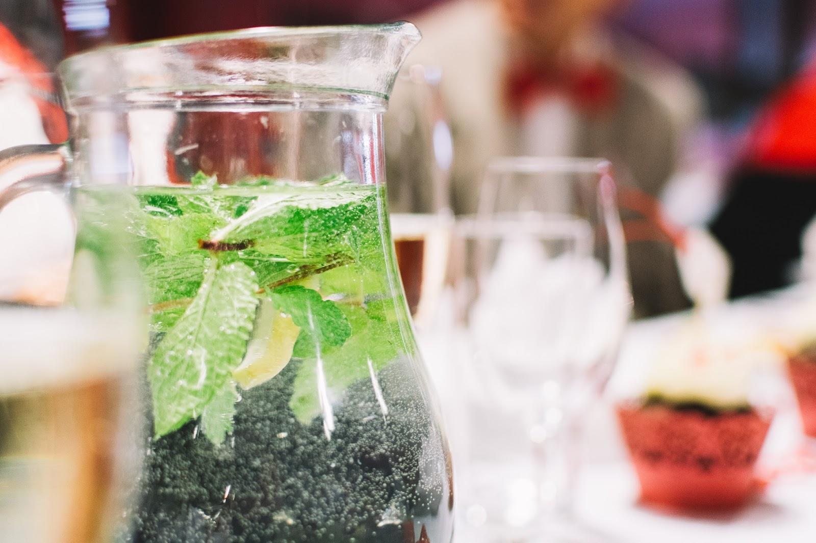 Eating Fabulously, Christopher Stewart, detox water, lemon cucumber mint water, detox,