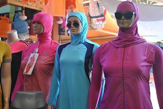 نساء مسلمات في فرنسا يتحدين حظر البوركيني على شواطئها