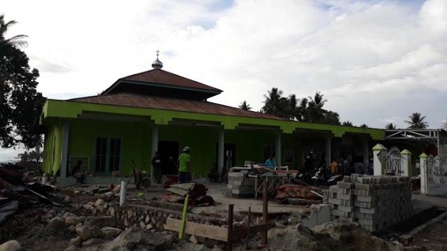 Menakjubkan! Gelombang Tsunami Hanya Lewat di Atas Kubah Masjid Jami