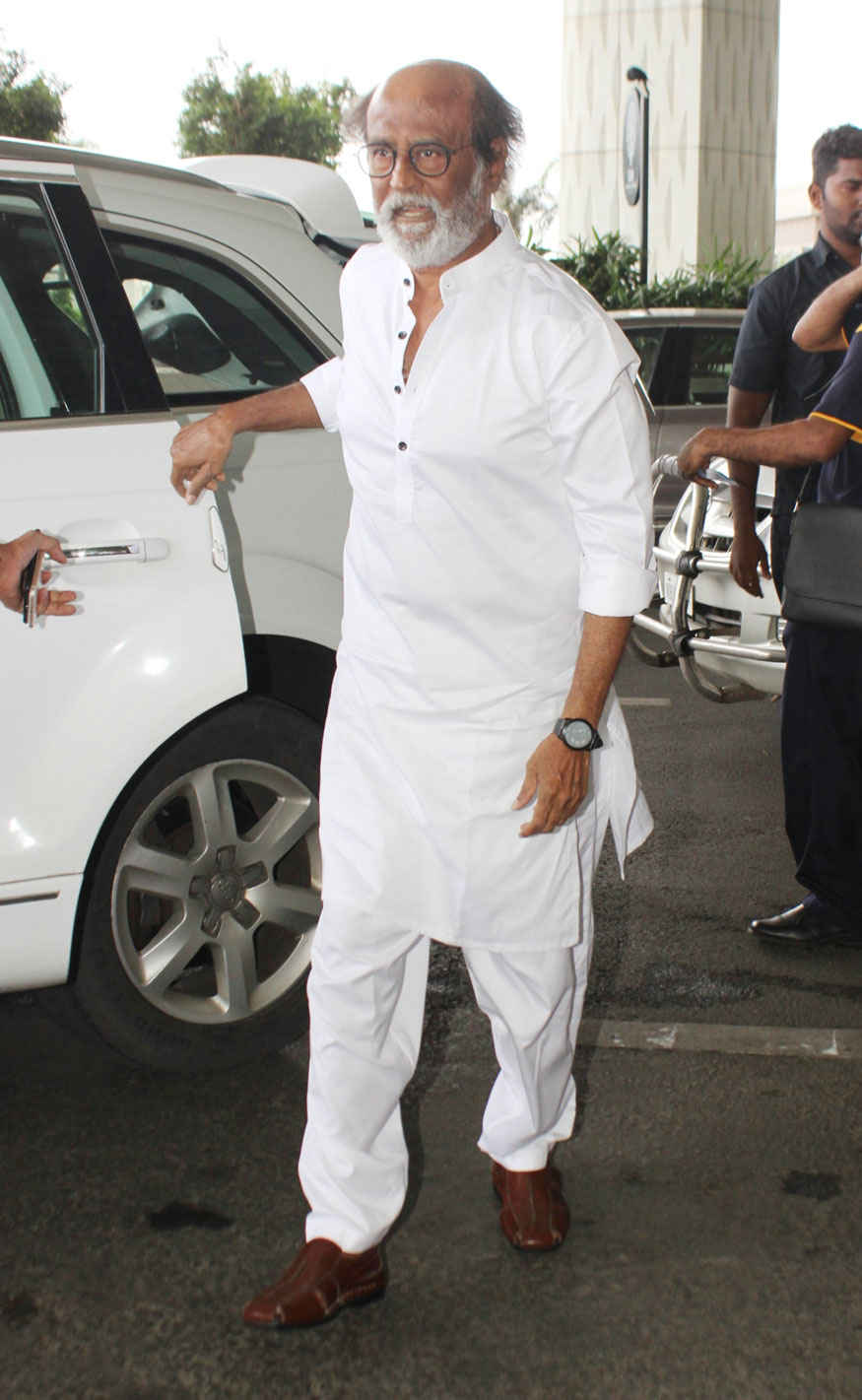 Rajinikanth Spotted at Mumbai Airport