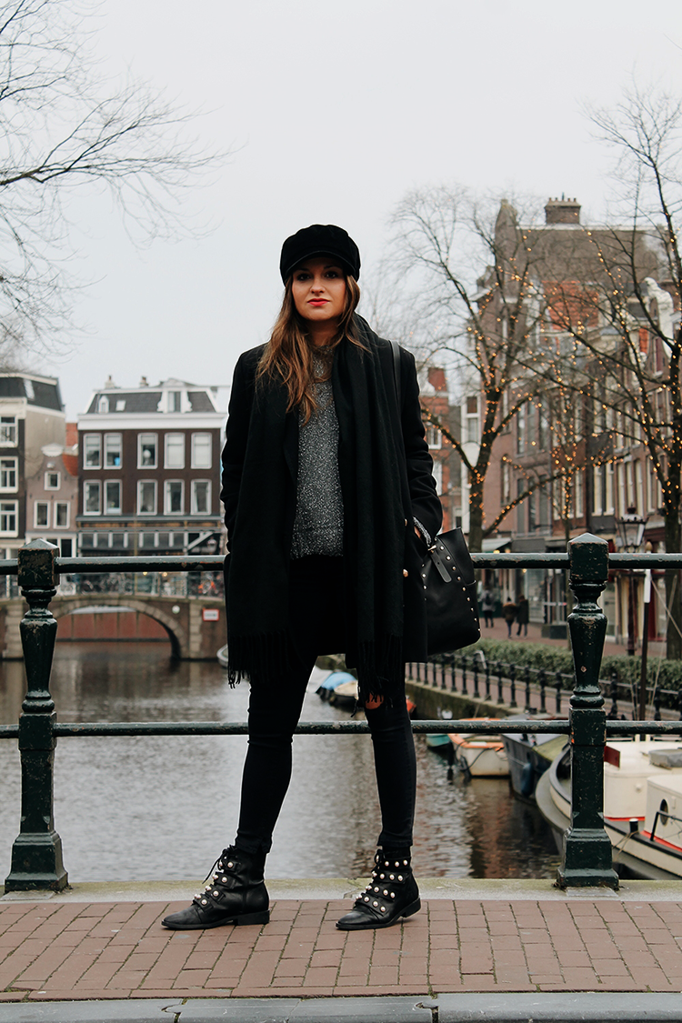 Total black look Amsterdam littleblackcoconut