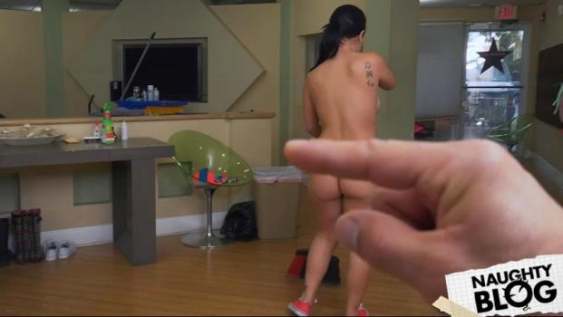My Dirty Maid – Kimmy Kush: Thick Latina Maid Enjoys First Day