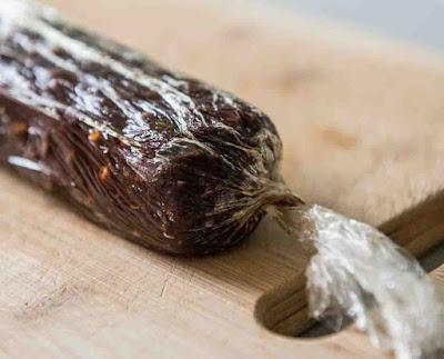 ليزي كيك أو سلامي الشوكولاته الإيطاليه