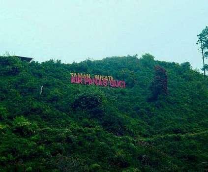 Wisata Air Panas Guci di Kabupaten Tegal