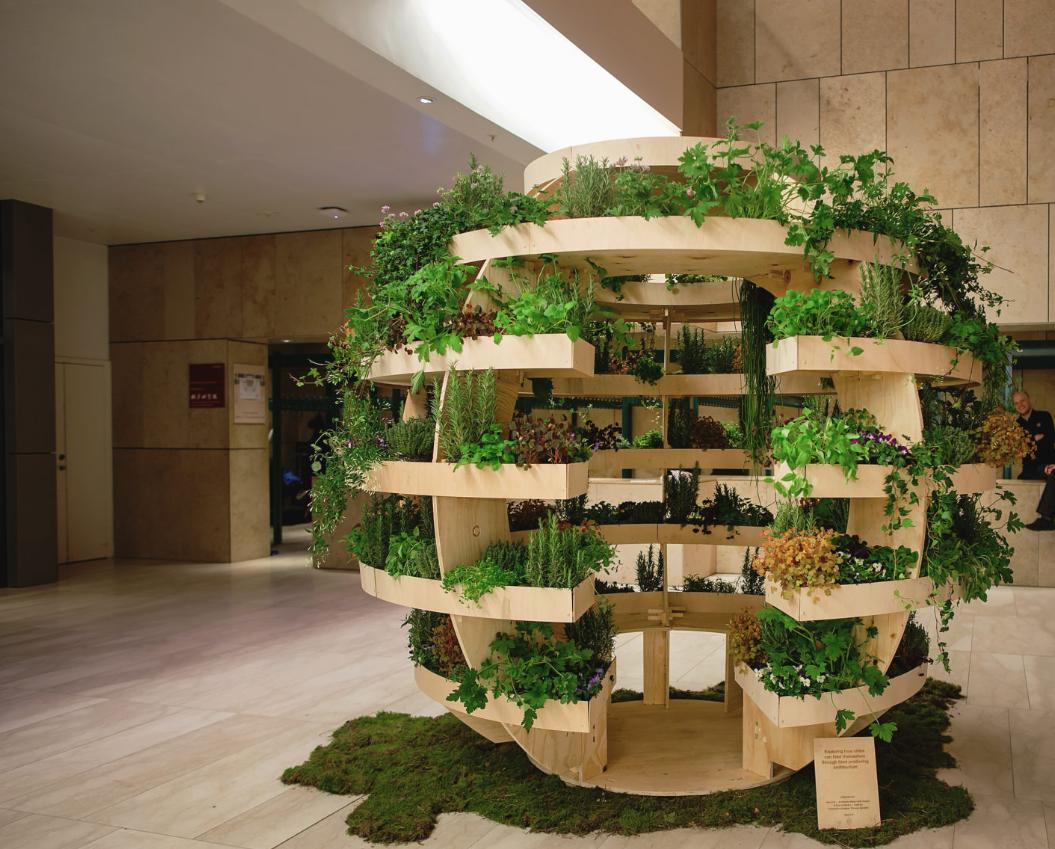 Everything Grows: DIY Vertical Garden