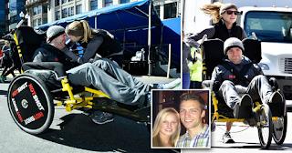 Γυναίκα έσπρωξε το καροτσάκι του τετραπληγικού συντρόφου της σε μαραθώνιο 42 χιλιομέτρων