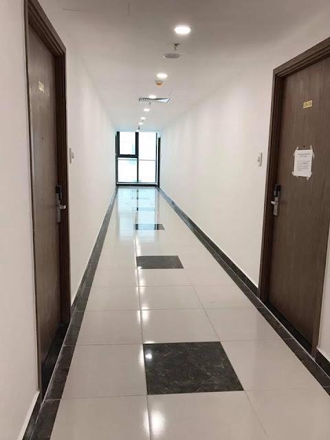 Phần hành lang tầng điển hình đã được hoàn thiện đẹp đẽ