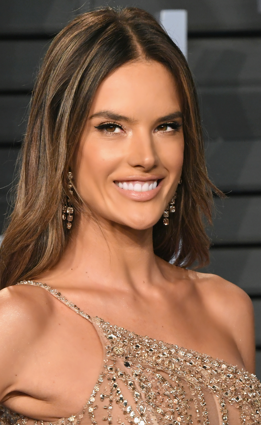 Alessandra Ambrosio 2018 Vanity Fair Oscar Party