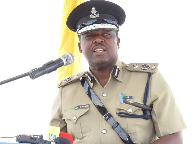 MWANAMKE ASIMULIA JINSI ALIVYOPIGWA NA KUVULIWA NGUO NA POLISI MWANZA