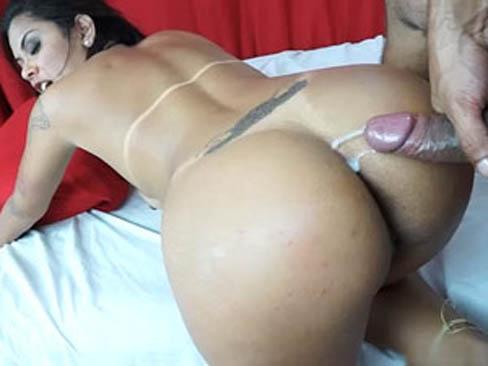 Juju Rangel puta carioca tomando porra quente na bunda