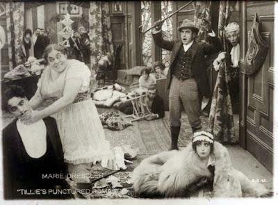 "Чарли Чаплин, Мэйбл Норманд и Мари Дресслер в ""Прерванном романе Тилли"" (1914) - 3"