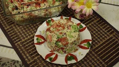 Sałatka z brokułem i ryżem